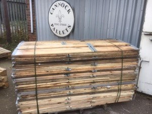 A Pack Of 1200 X 800 Recycled Euro Collars